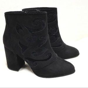 Cloudwalkers by Avenue 'Broome' black booties 11W